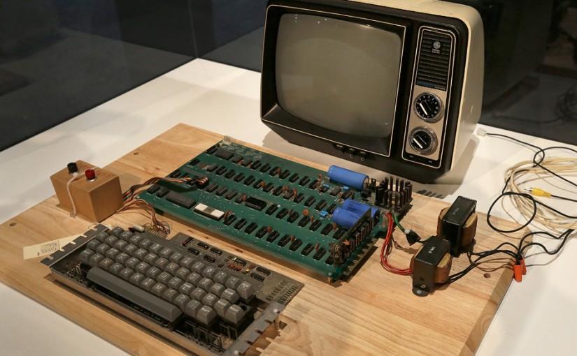 價值過百萬史上第一台 APPLE電腦 竟被當垃圾丟掉